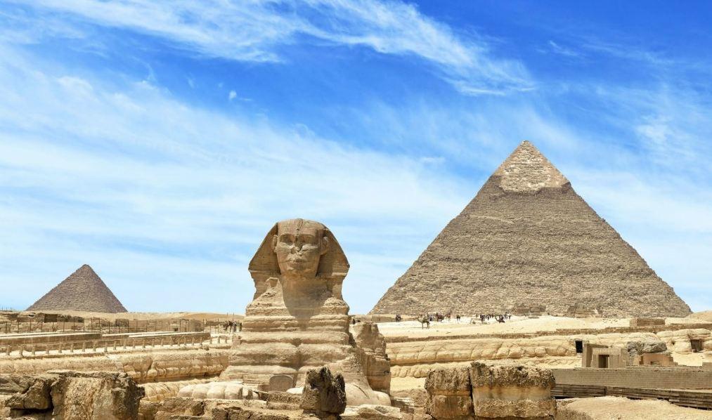 Египетските пирамиди и Сфинкса в Гиза